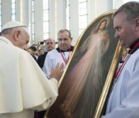 Papa: com Santa Faustina voltemos à fonte da Misericórdia, abramos o coração a Jesus