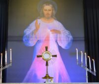Testemunho: Jesus Misericordioso nos honrou, minha mãe é um milagre