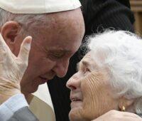 """""""Eu estou contigo todos os dias"""" é o tema do I Dia Mundial dos Avós e Idosos"""
