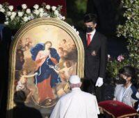 Papa suplica a Maria: desata os nós do egoísmo, da indiferença e da violência
