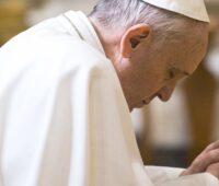 A oração é o respiro da vida, diz Papa Francisco