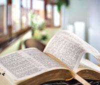 Mês da Bíblia está completando 50 anos